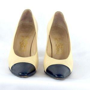 Ferragamo Black and Cream Leather Shoe, Sz 9